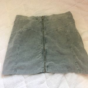 American Eagle Don't Ask Why New York Skirt